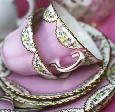 vintage china. ♥the color on these.
