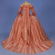 Back view, Plaid silk sacque gown, c 1780s, Whitaker Auction House.