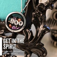 How cute is this for Halloween?!  Origami Owl Living Locket