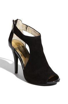 michael kors shoes, fashion shoes, ladies fashion, designer shoes, shoes booties, woman shoes, pumps, fashion women, michael kor shoes