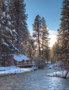 camp sherman cabins oregon | river cabin a beautiful cabin along the metolous river in oregon ...
