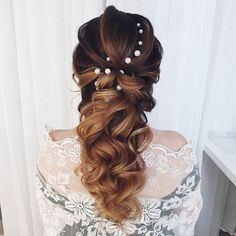 Dzień dobry w sobotni poranek! W naszej pracowni już praca wre a jak tam Wasz początek weekendu?  ---------------------------------------------------- #weddinghairinspiration #weddinghairinspo #weddinghairstyles #weddinghairstylist #hairstylistsofinstagram #hairdresserpower #hairdresseronfire #hairdresserworld #weddinghairdresser #hairiswhatido #hairartists #longhairlove #longhairgoals #hairstylegoals #longhairstyle #bridalhairstyles #bridalhairideas #bridalhairinspiration #bridalhairspecialist