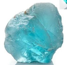 Apatite - Provides openness and social ease, instills motivation and drive. Helps with apathy, encourages liveliness and helps with exhaustion. Stimulates healthy eating habits. Power, Healing, Develop Psychic Abilities