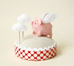 Flying pig pincushion - so adorable!