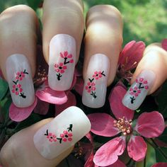 i hate long nails but this nail art is cute