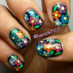 Instagram photo by Hannah Ennis #nail #nails #nailart