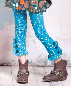 Mix ruffled leggings with boots for girls!