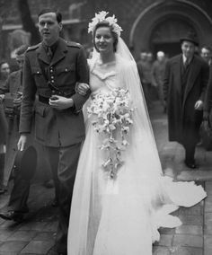 Andrew Cavendish and  Deborah Mitford after their wedding in April 1941.