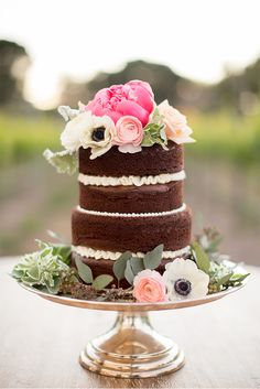 love this NAKED wedding cake via StyleUnveiled.com / Sogno del Fiore Wedding Inspiration / Anna J Photography / Gorgeous Winery Wedding Inspiration