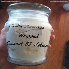 Homemade whipped lotion w/ coconut oil moisturizing cream. definitely making this.