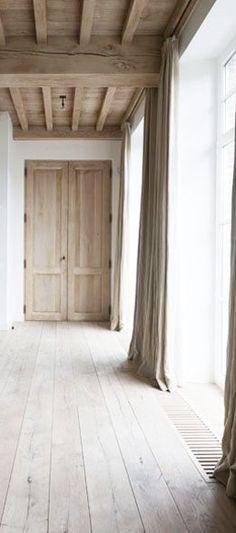 blonde timber : Paris apartment