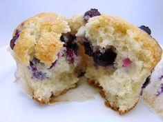 La Petite Brioche: Blueberry Muffins