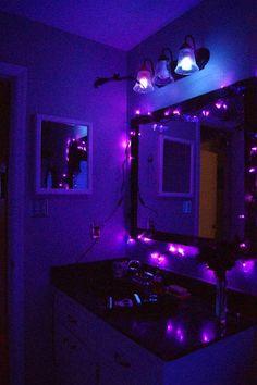 bat room, halloween parties, purple lights, purpl light, purpl bathroom