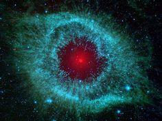 Helix Nebula Spitzer  looks like a 'Droid'!