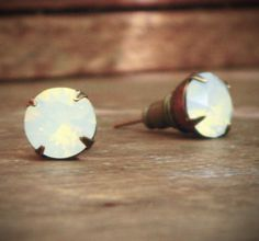 White Opal Rhinestone Stud Earrings Solitaire