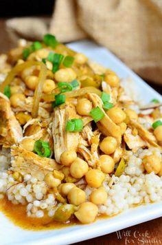 Slow Cooker Moroccan Chicken   from willcookforsmiles.com #chicken #slowcooker #CampbellsSkilledSaucers