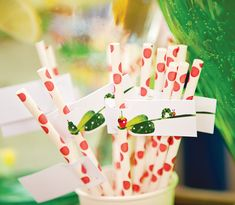 hungry-caterpillar-party-straws