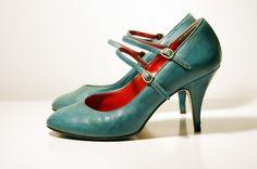 Vintage Teal Pumps by Spelfenmeisje on Etsy