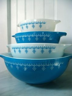 Pyrex vintage blue snowflake garland pattern - bowls, casseroles, dishes, glasses, etc.--I collect it all! Love this pattern.