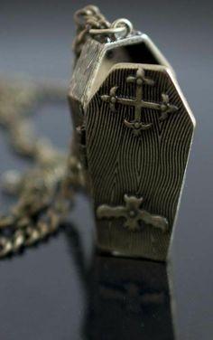 Draculas Coffin Necklace #Halloween