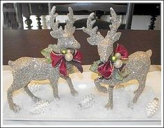 Glue reindeer to white plate, add ornaments, some fake snow~ Easy table decor holiday, reindeer, traditional christmas, centerpiec, tradit christma, christma decor, christmas decorating ideas, bow, decor idea