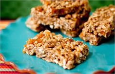 No-bake, minimalist healthy granola bars