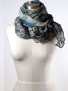How to Tie a Scarf: Double Wrap Neck Knot | Scarves.net