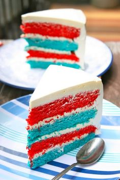 Krissy's Creations: Fourth of July Cake #fourth #of #july #fourthofjuly #party #idea #ideas #funideas #coolideas #food #foodie #yum #independence #day #family #fun #cookout #cookouts #grill #dessert #desserts #treat #treats #sweet #redwhiteandblue www.gmichaelsalon.com