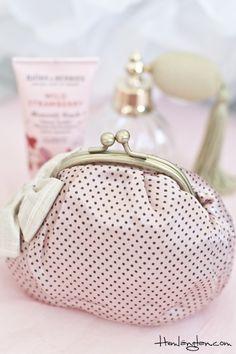 Cosmetic purse from Lisbeth Dahl  www.hemlangtan.com