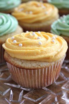 Luscious Lemon Cupcakes with Lemon Buttercream