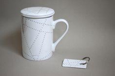 tisanière et porte-clef porcelaine peinte feutre