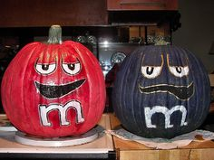 cool idea for decorating pumpkins for Halloween