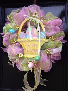 SPRING/EASTER basket deco mesh WREATH. $95.00, via Etsy. #easter #ideas #decor #wreath