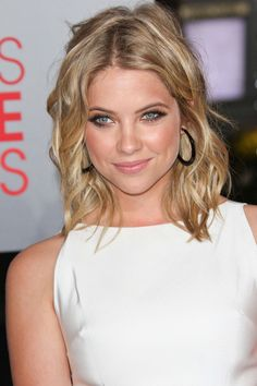 Shoulder-Length Hair: 20 Styles That Make Me Want to Cut My Long Locks | Babble