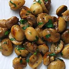 Butter/Garlic Mushrooms by bigoven: Something magic happens when butter and mushrooms get together. #Mushrooms #Butter_Garlic_Mushroooms