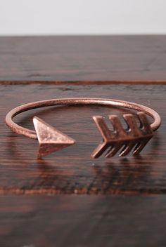 Arrow Bracelet in Rose Gold