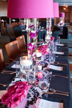 Damask with fuschia place setting
