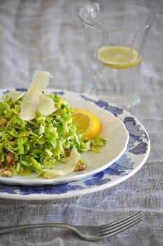 Shredded Brussels Sprouts with Lemon, Walnuts and Parmesan by lemonsandlavender #Brussel_Sprouts #Salad #lemonsandlavender