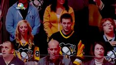 Watch: Pittsburgh NHL fans sing 'O Canada' after Ottawa shootings
