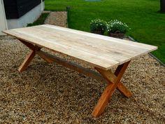 Home improvement on pinterest wooden dining tables for Jansseune interieur