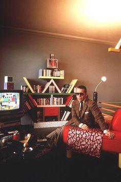 1981 - Karl Lagerfeld in his Menphis apartment in Monaco