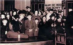 The first transport from Berlin embarks at the Hook of Holland, December 1, 1938. Photo from The kindertransport Museum.