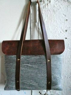 seaside tote. love the printed wool.