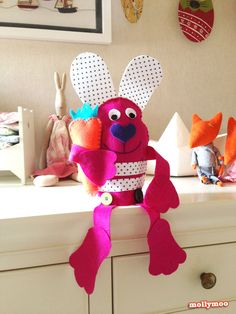 Easy to Sew Felt Easter Bunny from @Michelle McInerney