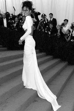 Rihanna - 2014 Met Gala, New York (05/05/2014)