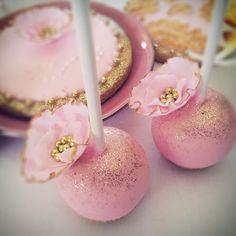Pink and gold wedding cake pops #pink #gold #cakepops