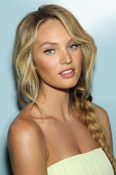 """Wavy Hair + Disheveled Braid + Deceivingly Simple """"No Makeup"""" = Excellent Version of a Summer Look"""