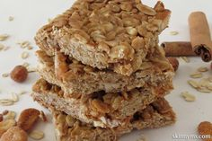 Peanut Butter and Honey Oat Bars--tasty meal option on the go!  #peanutbutter #honey #oat #bars