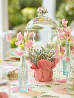 Find fun and clever ideas for outdoor table decorations for your next party or family gathering.