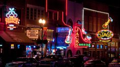Discover Nashville's live music scene in the District. The downtown area, around Broadway and 2nd Avenue, is home to many bars, restaurants, dance halls and concert venues. Live music performances go until 3 a.m. on weekends.